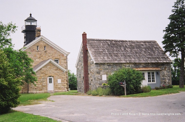 Old Field Lighthouse https://www.seathelights.com